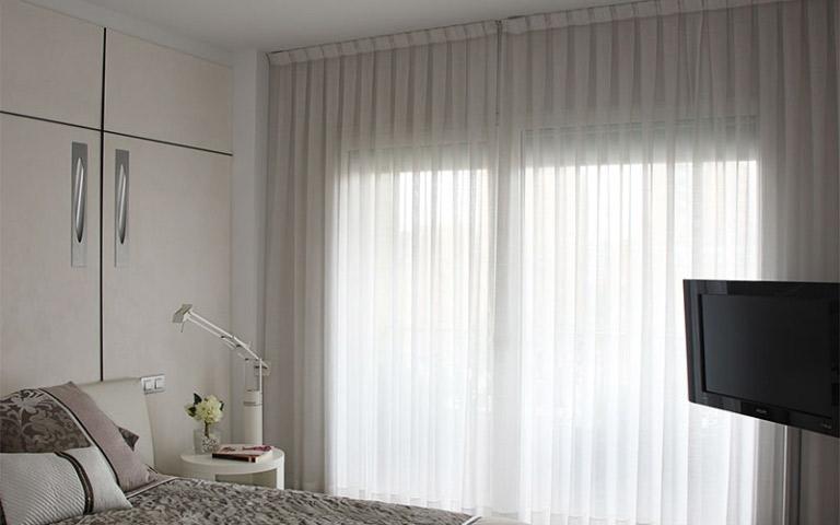 Tessuti per tende como idea casa molteni - Tendaggi per camere da letto ...